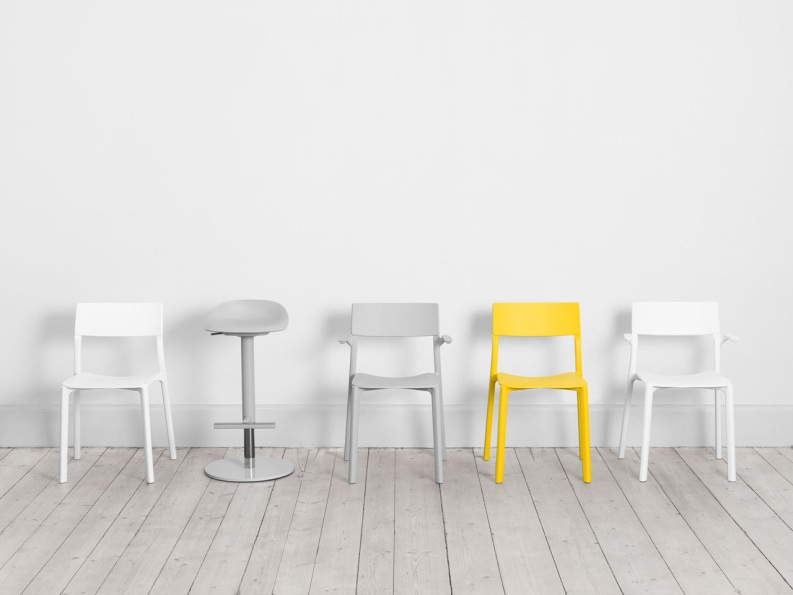 Практичные стулья