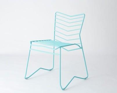 Ещё один металлический стул