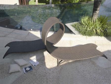 Садовая мебель против одиночества